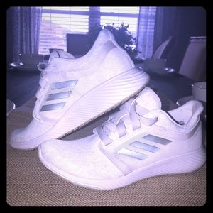 ADIDAS Lux 3 Running shoe